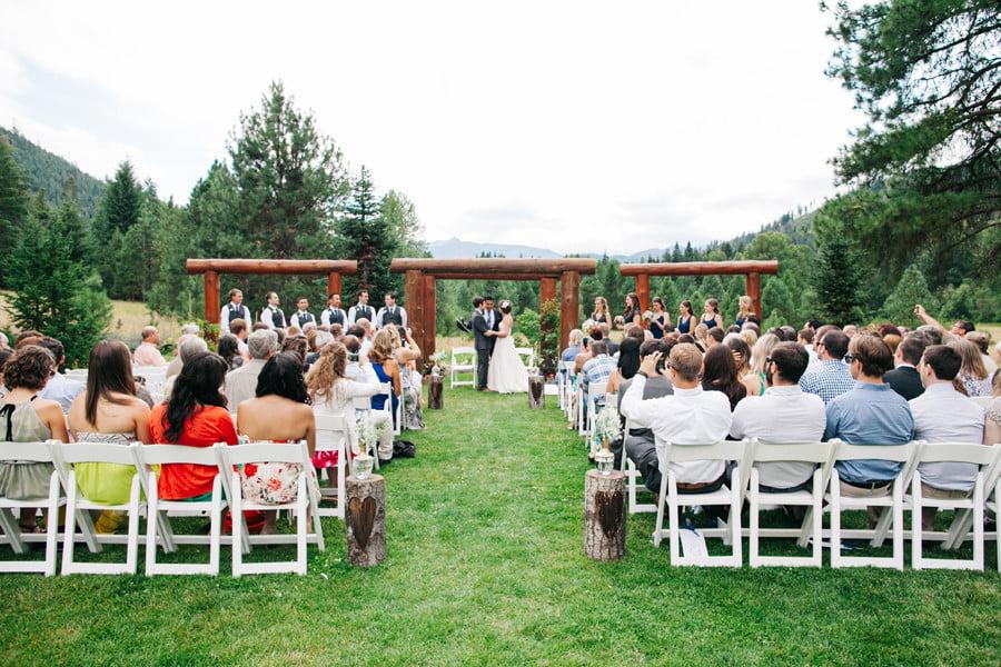 Wedding chapel in leavenworth washington mini bridal for Leavenworth wa wedding venues