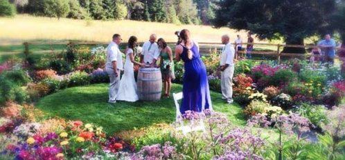 Wedding in circle garden