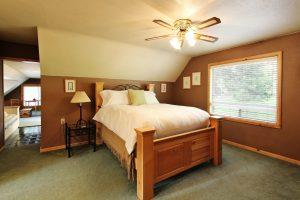 Evergreen Queen Bed