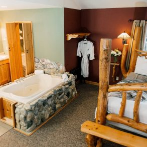 Nason Suite Bed and Bathroom