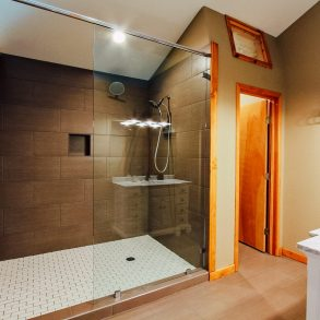 Shower in Ledgepole Suite at Pine River Ranch