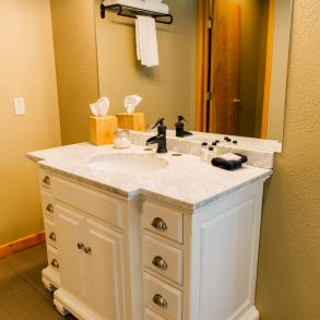 Bathroom in Ledgepole Suite at Pine River Ranch