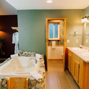 Bathroom in Natapoc Suite at Pine River Ranch