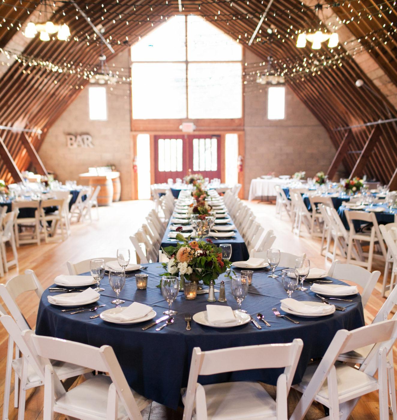 barn reception decoration