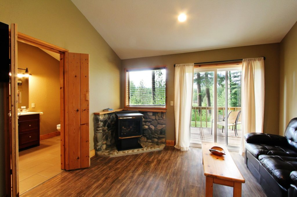 ponderosa suite sitting room