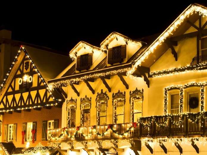 leavenworth downtown christmas lights