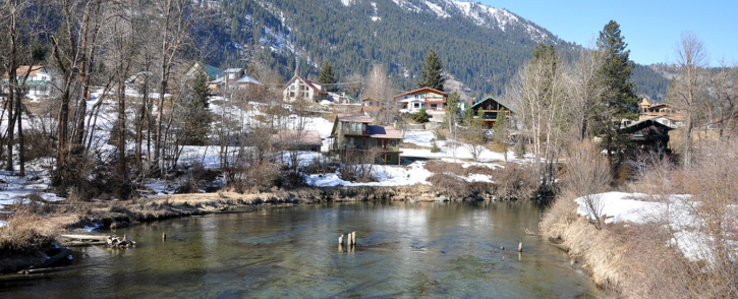 Day Trips From Seattle in Winter: View of Leavenworth From the River